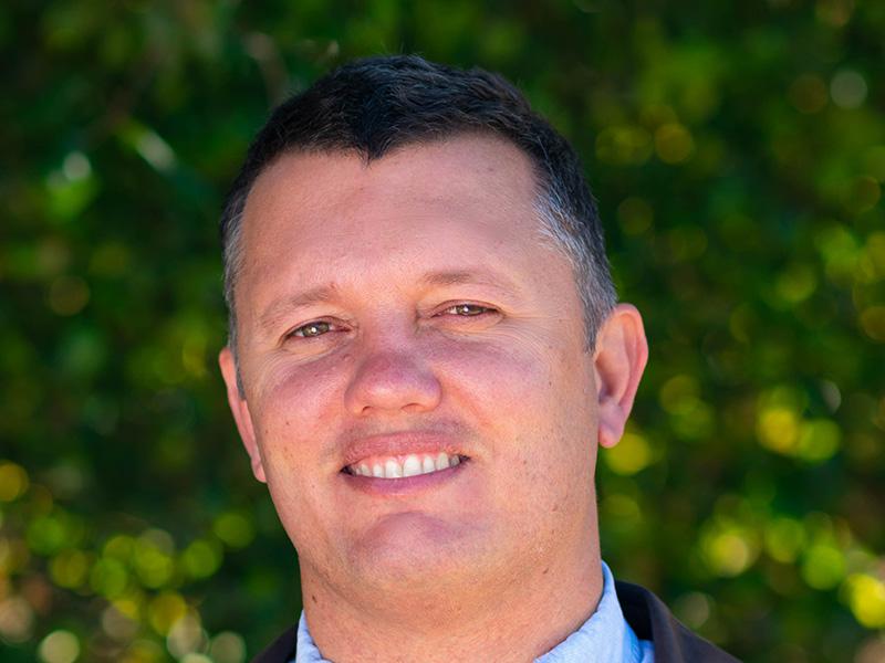 Dr Tony Malyszek